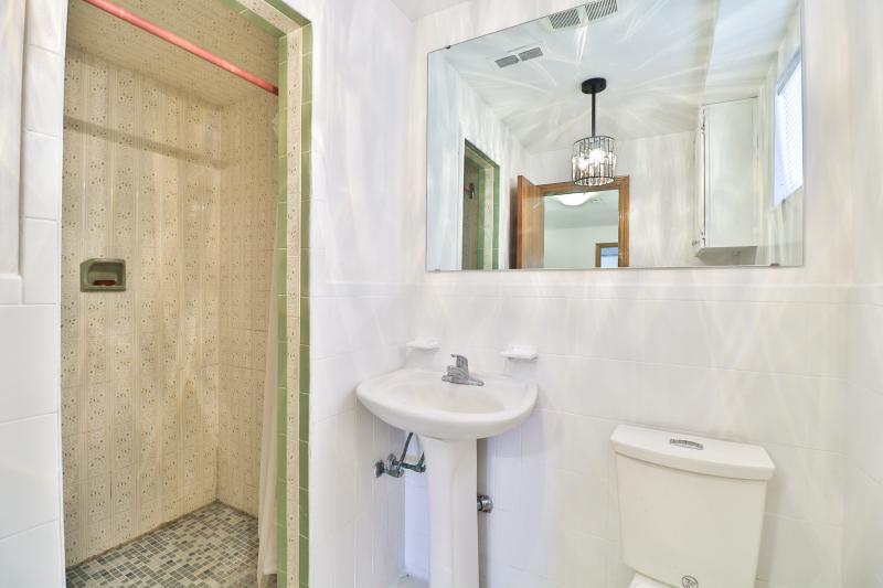 Lower Level Ensuite Bathroom
